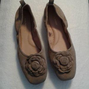 Taryn Rose Rosalyn ballet flats suede Size 9.5